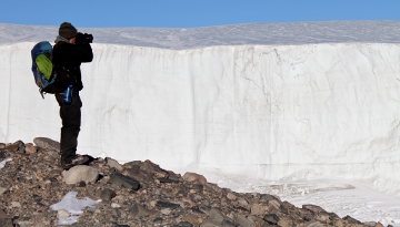 Antarctica: Hiking the Commonwealth Glacier