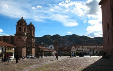 Approaching the Plaza de Armas, Cuzco